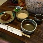 奥丹 - H28.04.28  胡麻豆腐 と とろろ汁 と 薬味