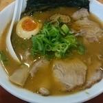 ラーメン横綱 - 料理写真:魚介豚骨ラーメン