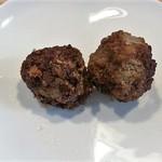 肉の小林 - 肉だんご 1個40円