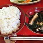 農家料理 高宮 - 一汁五菜 お代わりのご飯と追加の煮物