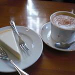 カフェベルニーニ - Cappuccino&チーズケーキ