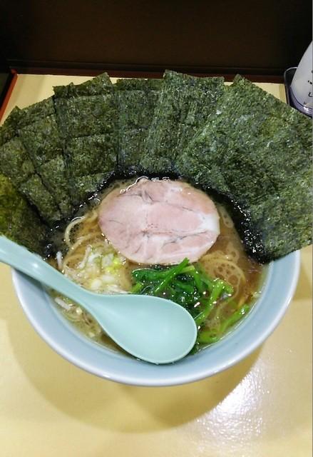 横浜家系らーめん 古口家 - ラーメン650円麺硬め。海苔増し100円。