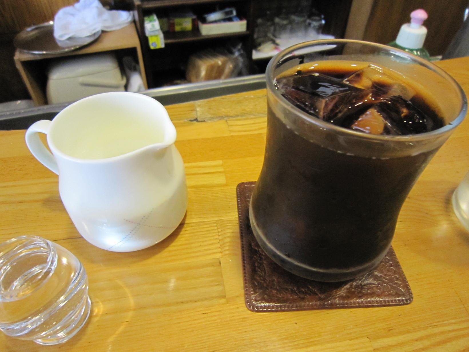 コーヒーショップ バン