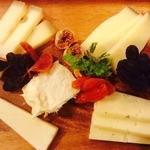 フランス産チーズとドライフルーツの盛り合わせ