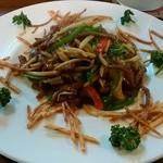 チャイニーズレストラン ファン - ランチのメイン「チンジャオロース」