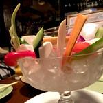 51052462 - 水々しい生野菜