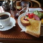 喫茶ミレー -