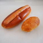レ・ミュウ - 全粒粉のパンのウィンナーカレー&スモークチーズ