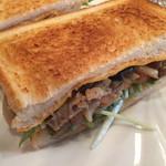 kitahama sandwich APPLIQUE - きのこ ビーフの季節のサンド