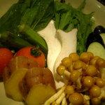 口福家 HANARE - 見た目の変なイモ(名前忘れました)とモロヘイヤは最高でした。