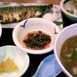 素材屋 伏見店 - サバ塩焼き定食(ラー油付き)