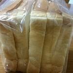 51061637 - レギュラー食パン、5枚。