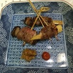 鴨正 - 鴨肉で色々巻いた串焼き