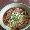 富士弁 - 料理写真:肉蕎麦 500円 味濃いめ、肉も美味しい