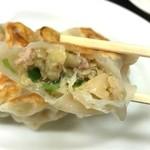 中華工房 和 - しっかり美味しい餃子。玉ねぎの甘味かな