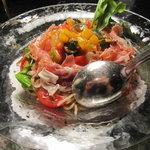 5107856 - 生ハムとフレッシュトマトの冷製パスタ 夏野菜のカポナータ添え 1200円
