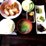 ユー アンド ミー - 料理写真:ヒレカツ定食