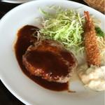 炭焼亭 - 料理写真:日曜の日替わりランチ