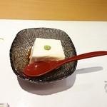 神楽 - 付きだしの牛乳豆腐♪