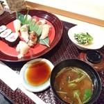 寿司・日本料理 さわ田 - 握り寿司御膳1400円赤だしも堪らなく美味しいですねー
