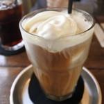 カフェ クオーク - コーヒーフロート