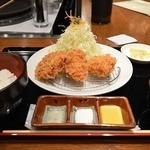 """Katougyuunikutenshibutsuu - """"ミックスフライ定食"""""""
