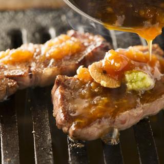 本場大阪・鶴橋の焼肉スタイル‼料理のご提供はお口元まで‼