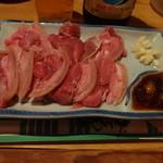 山羊料理さかえ - 山羊さしみ1300円(税込)