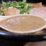 麺や 雫 - スープ
