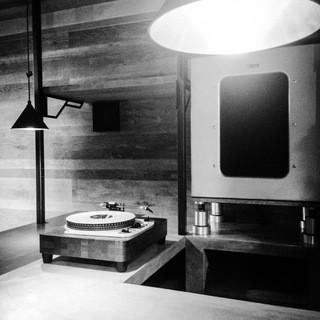 ゆったりとした時の流れる、音楽好きには堪らない空間