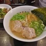 香味徳  - ランチA(香味徳ラーメン+ミニ豚丼)700円