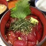 51108601 - 「生マグロ丼」(1200円)