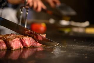 SAI.teppan - 目の前で女性シェフが焼き上げる厳選黒毛和牛ステーキ