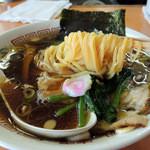 51117437 - 2016年5月5日(木・祝) 青島ラーメン(750円) 麺リフト