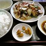 5112982 - 鶏のXO醤油炒め定食