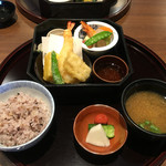 料理 旬仙 - 天ぷら  煮物  16雑穀   味噌汁   漬物