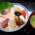 栄寿司 - 料理写真:ちらしランチ600円