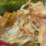 つけ麺 しろぼし - 野菜、鰹節