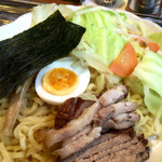宮本屋  - おかん=野菜でつけダレの味が長男と次男で違う。