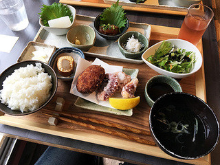 離島キッチン 神楽坂店