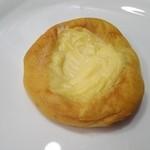 51130299 - クリームパン