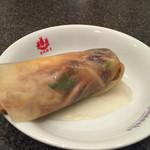 赤坂飯店 - 4500円コース  野菜炒めと焼き玉子のクレープ包み  野菜の水気が出てしまっていたのでクレープがビショビショになってしまっていたのは残念。