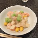 赤坂飯店 - 4500円コース  海老と銀杏の炒め  塩の塩梅が絶妙でした!