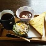Cafe 禅 - ブレンドコーヒー(430円)、禅モーニング(ぜんざい、トースト、サラダ)
