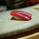 すし家 - 【にぎり】和歌山県産鮪、赤身の漬け