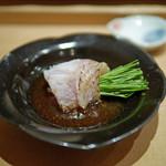 すし家 - [つまみ]長崎対馬産のノドグロ、浅葱と出汁醤油と一緒に...