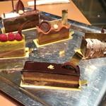 ショコラティエ パレ ド オール - ガトーセットで運ばれてくるケーキサンプル '16 4月中旬