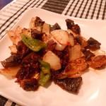 カジャ ガル - SUKUTI(スクティ) ネパールの羊の干し肉(ビーフジャーキー風)と野菜炒め 590円]
