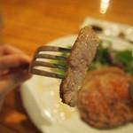 シブヤ ボウリング カフェ - 鹿児島やごろう豚のソテー
