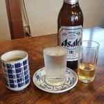 菊寿司 - 大ビールとコップ酒。